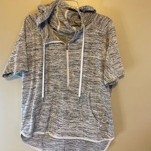 Athleta hooded t-shirt size medium